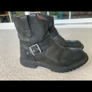 Timberland women's Black Leather Boots size 6